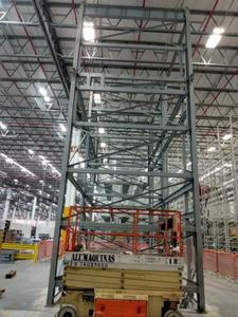 Estrutura para elevador de carga